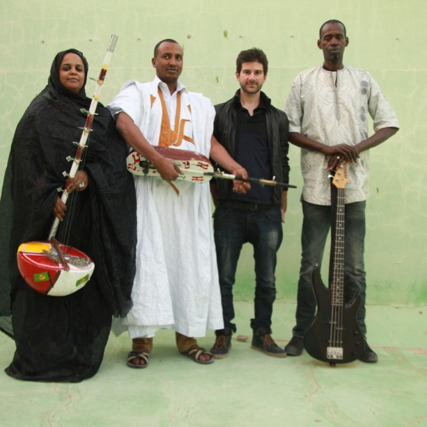 Noura Mint Seymali & band; photo: Laurent Prieur