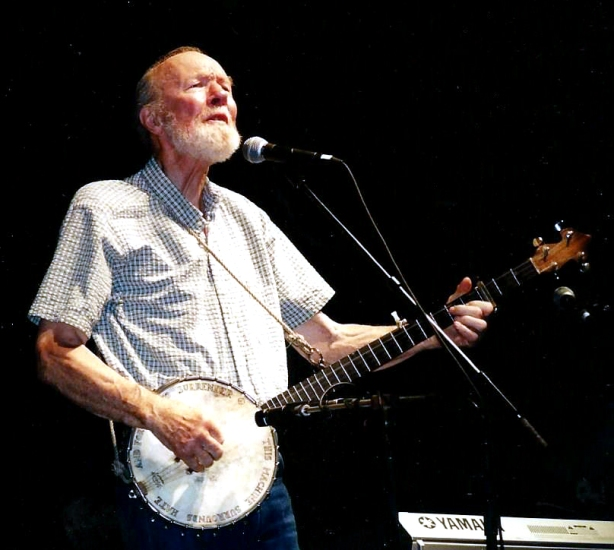 Pete Seeger (photo by Annette C. Eshleman/Dirty Linen)